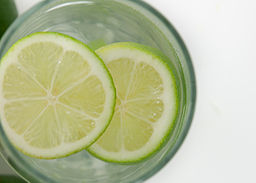 Limes_In_Water